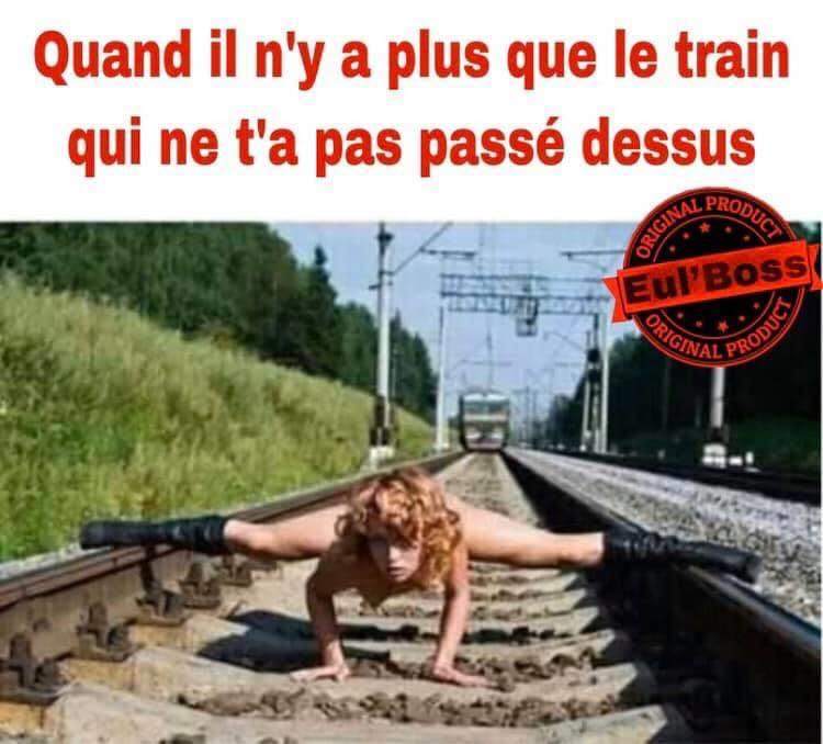 Et j'entends sifflet le train